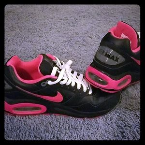 Womens Nike Air Max Navigate Black and Hot Pink